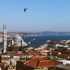"""Nahren Warda on Instagram: """"Hep yüzün gülsün.. hayat kısadır 🌸 . . . .  #istanbul #istanbulturkey #istanbultravel #turkey #traveltheworld  #turkey #istanbul_hdr…"""" Seattle Skyline, Istanbul, Photography, Travel, Instagram, Photograph, Viajes, Fotografie, Photoshoot"""