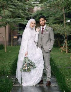 New Wedding Dress Indian 44 Ideas Muslimah Wedding Dress, Muslim Wedding Dresses, Muslim Brides, Wedding Abaya, Wedding Photography Poses, Wedding Poses, Wedding Attire, Fashion Photography, Decor Wedding