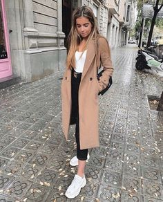 beautiful autumn and winter outfits # casualoutfitsotoño Find the most beautiful o . - beautiful autumn and winter outfits # casualoutfitsotoño Find the most beautiful outfits for y - Winter Outfits For Teen Girls, Spring Outfits Women, Winter Fashion Outfits, Fall Outfits, Autumn Fashion, Winter Outfits Warm Casual, Paris Winter Fashion, Winter Coat Outfits, Classy Outfits For Women