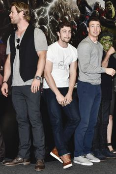 LOOK AT HIM. Look how awkward Aaron Johnson looks and how he s staying close to Chris. If he isn't Ryan, I dont know who is.