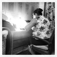 Porque aqui domingo é dia de trabalhar! #costura #amomeutrabalho #roupas #dedicação - @Ana Alcantara- #webstagram