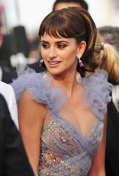 Sequins, Penelope Cruz-style. OMG, this is perfection.