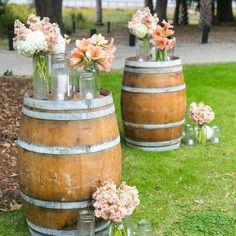 15 Whiskey Barrel Wedding Ideas - The Wedding Chicks Rustic Wedding Alter, Elegant Wedding, Rose Wedding, Wedding Flowers, Whiskey Barrel Wedding, Barris, Peach Flowers, Mason Jar Candles, Wedding Centerpieces