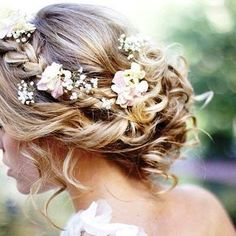 Simplicidade nos detalhes.  #weddingbliss #inspiração  #penteado #noivas #noivasderecife #noivasdepernambuco  #like4like  #tagforlikes