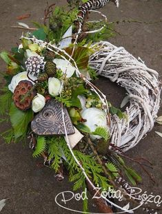 The Effective Pictures We Offer You About funeral hairstyles A quality picture can tell you many things. You can find the most beautiful pictures that can be presented to you abou Funeral Flower Arrangements, Christmas Floral Arrangements, Grave Flowers, Funeral Flowers, Grave Decorations, Flower Decorations, Christmas Wreaths, Christmas Decorations, Holiday Decor