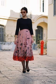 "▪️simple but significant▪️  ▪️featuring MALENA skirt, available in two colours, in stores and online: https://www.karavanclothing.com/collections/autumn-winter-17-18/products/malena-skirt-pink ▪️  ▪️""WE ALL BEGIN AS STRANGERS""FW2017-18▪️   ▪️ #karavanclothing"