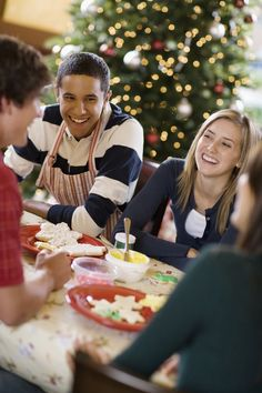 50 Holiday and Christmas Activities a Teen Will Get Into