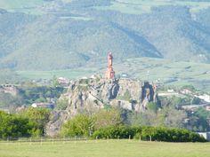 La statue de la Vierge du Puy en Velay (Haute-Loire, Auvergne) http://gite-la-polonie.fr/visiter-puy-en-velay/