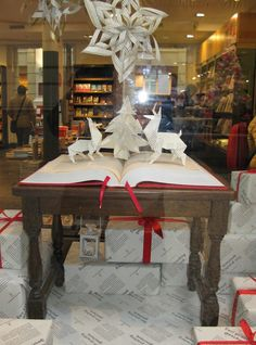 christmas window display | bookstore Selexyz | concept & production Sandra de Cocq