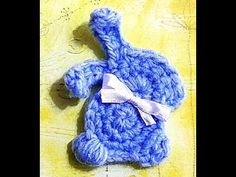 This adorable bunny applique works up in 5 minutes or less! A perfect way to adorn your already precious spring makes! Attach this to a little purse, Easter . Bean Bunny, Crochet Embellishments, Easter Crochet, A Hook, Egg Hunt, Cute Bunny, Easter Baskets, Easter Eggs, Crochet Projects