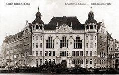 Die Chamisso Schule am Barbarossa Platz. Berlin, 1900. o.p.
