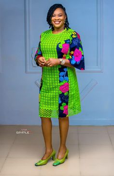 Short African Dresses, Latest African Fashion Dresses, Fashion Sewing, Girl Fashion, Lace Outfit, African Attire, Classy Dress, Chic Outfits, Kitenge