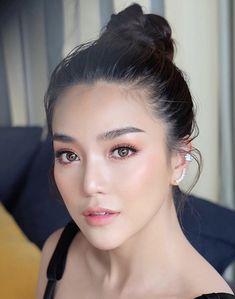 Trendy Makeup Asian Eyes Asia - Prom Makeup Looks Asian Makeup Looks, Asian Eye Makeup, Bridal Makeup Looks, Beauty Make-up, Asian Beauty, Hair Beauty, Asian Makeup Tutorials, Makeup Ideas, Makeup Tips