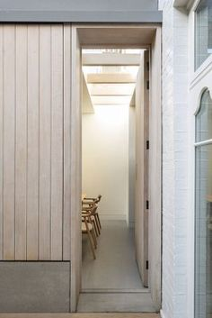 Studio Carver adds American-inspired extension to Belsize House British Architecture, Residential Architecture, Architecture Details, Interior Architecture, Stairs Architecture, Interior Design, Oak Cladding, Interior Cladding, Brook House