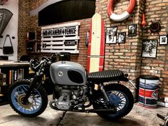 """#TORCIDA #r65 #bmwmotorcycle #bmwmotorrad #bmw #specialmotorcycle #garage #imbarcadero14venice #venice  #custommade #custom #motorcycle"""