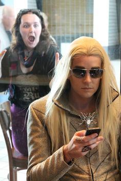 This made me giggle :) thranduart: Elves at Starbucks, part 2: When Fangirls Attack #lol #LOTR #TheHobbit