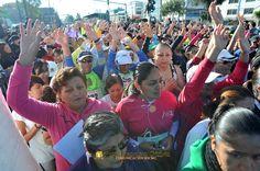 """Nezahualcóyotl Méx. 17 Marzo 2013. Las emocionadas participantes esperaban la salida de la Carrera atlética femenil """"Unidas hasta la Meta"""".                                                                                                                                                                               Foto. Francisco Gómez"""