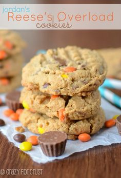 Reese's Overload Cookies | crazyforcrust.com | #Reeses #peanutbutter #cookie