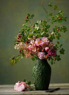 composition + palette + leaf vase