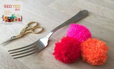 How to Make a Fork Pom Pom. Learn how to make adorable pom poms using a fork! A clever technique for quick pom pom DIYs. #pompoms #pompom #howtomakeapompom #pompomdiys #forkpompom #fork #diyhacks