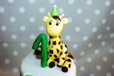 Gumpaste giraffe Fondant Cakes, Gum Paste, Giraffe, Christmas Ornaments, Create, Holiday Decor, Home Decor, Felt Giraffe, Decoration Home