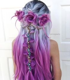 18 vibrant and pastel mermaid hair color ideas 18 lebendige und Pastell Meerjungfrau Haarfarbe Ideen - Long Hair Style Trends Hair Color Purple, Cool Hair Color, Amazing Hair Color, Unique Hair Color, Periwinkle Hair, Purple Ombre, Long Purple Hair, Gray Hair, Unicorn Hair Color