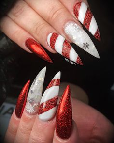 """Mi piace"": 240, commenti: 4 - NailBar (@nailbarofficial) su Instagram: ""Beautiful Christmas nails for @claudia_gateley #nailart #nailartclub #nailartoohlala #nails…"""