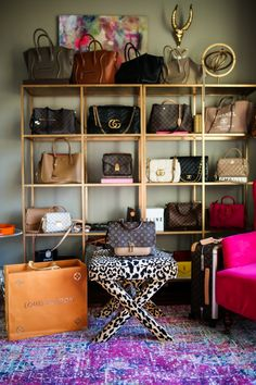 35 Lovely Bags Closet Design Ideas - Unique closet design ideas will definitely help you utilize your closet space appropriately. An ideal closet design is probably the only avenue toward. Smart Closet, Bag Closet, Closet Storage, Closet Space, Handbag Storage, Handbag Organization, Handbag Display, Backyard Storage, Glam Room