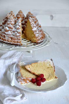 bundt cake de vainilla con frambuesas