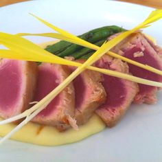 Seared tuna with pommes puree and hericot vert