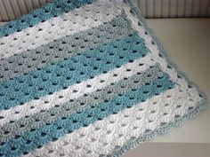 *** Dit is het patroon waarmee je deze schattige deken zelf kunt haken ***  LET OP:GESCHREVEN PATROON IS IN HET NEDERLANDS.  For English