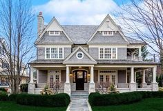 This shingle style home is located at 728 S Washington Street in Hinsdale, Illinois. Shingle Style Architecture, Architecture Antique, Shingle Style Homes, Futuristic Architecture, Traditional Home Exteriors, Traditional House, Traditional Kitchens, Dream House Exterior, Dream House Plans