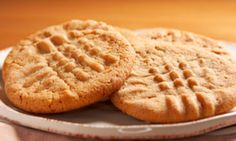 Gluten-free peanut butter cookies - Allergy-Free Holiday Desserts - ParentMap and Talk by Safeway Paleo Peanut Butter, Pb2 Powdered Peanut Butter, Gluten Free Peanut Butter Cookies, Pb2 Cookies, Cookies Et Biscuits, Oatmeal Cookies, Sugar Cookies, Pb2 Recipes, Cake