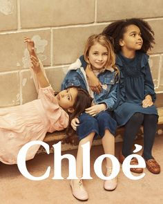 Discover exclusive girl's accessories at Chloé. Girl With Sunglasses, Kids Sunglasses, Boyish Girl, Chloe Kids, Kids Studio, Baby Jeans, Trendy Kids, Foto Pose, Kid Styles