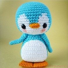 Crocheted penguin--lots of patterns!.