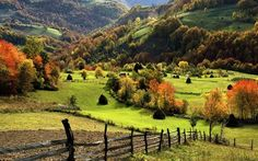 Hills in the countryside wallpaper