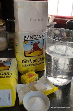 Franzela de casa reteta simpla - ca la brutarie | Savori Urbane Romanian Food, Urban, Mugs, Tableware, Food, Brot, Dinnerware, Tumblers, Tablewares