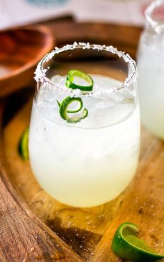 Make this delicious and refreshing Limeade Margarita Recipe right at home with just 3 simple ingredients! Non Alcoholic Drinks, Wine Drinks, Cocktail Drinks, Cocktails, Beverages, Mexican Margarita Recipe, Margarita Recipes, Drink Recipes, Limeade Margarita