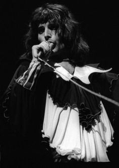 Website dedicated to one of the greatest and most influential artists of all time – Freddie Mercury Queen Photos, Queen Pictures, Freddie Mercury, Mr Fahrenheit, Brian Rogers, Queen Brian May, Classic Rock And Roll, Somebody To Love, Queen Band