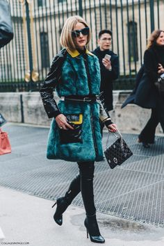 Olivia Palermo in teal fur at paris fashion week Fashion Week Paris, Winter Fashion, Estilo Olivia Palermo, Olivia Palermo Lookbook, Street Looks, Look Street Style, Cardigan Jeans, Long Cardigan, Elegante Y Chic