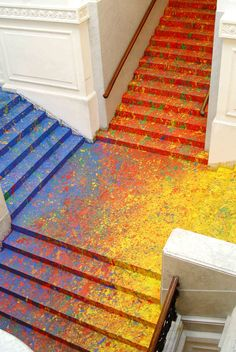 Artist Leon Tarasewicz Covers the Poland National Gallery's Great Hall Staircase in Splatter Paint | Colossal