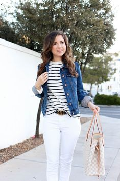 casual denim jacket outfit with white jeans Camo Denim Jacket, Denim Shorts Outfit, Cropped Denim Jacket, Ripped Denim, Denim Overalls, Denim Jackets, Short Outfits, Spring Outfits, Boujee Outfits