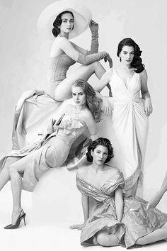 Emily Blunt (SC) - Anne Hathaway (FN)- Amy Adams (C?) - Jessica Biel (SD/FN?) ALL OF THEM STUNNING!