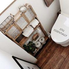 lovelyzakkaさんの、DIY,ディスプレイ収納,古材風クッションフロア,激狭トイレ,端材×セリアの棚,のお部屋写真