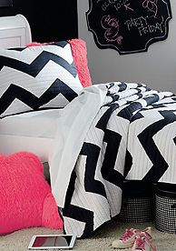 Home Accents® Black & White Chevron Quilt. Cute for a teenage girl's room! Chevron Quilt, Chevron Bedding, My New Room, My Room, Girl Room, Ikea, Childrens Beds, Teen Girl Bedrooms, Layette