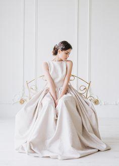 We Create YOUR Perfect DRESS! Exclusive Dress dress: @ehoeho photo: @natalia_bostan accessories/ makeup: @ghiduleanov hair: @yuliyayurievna model: @bavelik #EHO #EHOsposa #bridal #WeddingDress #EHOworldwide #WeCreateYourPerfectDress #perfectdress