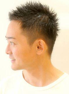 無造作なおしゃれボウズ ビジネスでも好感度の高いスタイルです しかも簡単 1分スタイリング! サイドをソフトなツーブロックにし 束感ショートにしてもOK。直毛な方には緩めニュアンスパーマをかけ七三風にしても◎☆tel 045-651-6967 Hair Designs For Men, S Man, Hair Cuts, Hair Beauty, Mens Fashion, Guys, Guy Hair, Men's Hair, Men Hairstyles