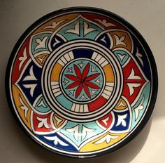 How to Decorate Ceramic Tiles Painted Plates, Hand Painted Ceramics, Ceramic Plates, Plates On Wall, Pottery Painting Designs, Pottery Designs, Glazes For Pottery, Ceramic Pottery, Ceramic Painting