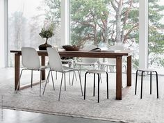Excellent Photographs Minimalist proportions - Life at home Suggestions On among my really regular trips to IKEA I discovered cheaper lacking platforms which were the righ Home, Glass Dining Room Table, Ikea Dining Table, Dining Table Height, Dining Inspiration, Wooden Dining Tables, Ikea Dining, Dining Table Chairs, Ikea Dining Room