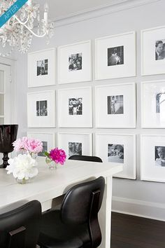 Pared decorada con cuadros de fotos en blanco y negro ¡¡precioso!!